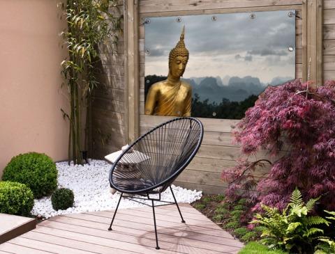 Boeddha met bewolkte lucht Tuinposter