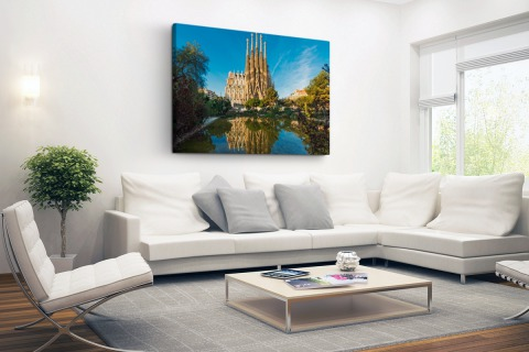 Sagrada Familia en water Canvas