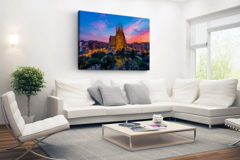 Sagrada Familia in avondlicht Canvas