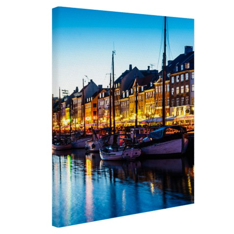 De Nyhavn by night op canvas