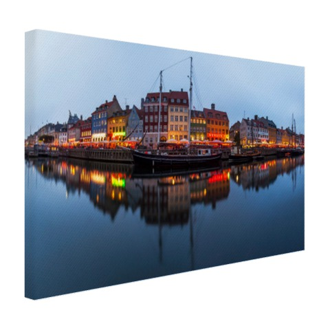 De Nyhavn in schemering op canvas