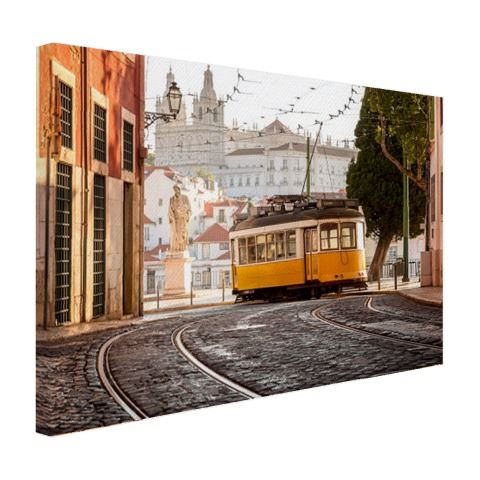Tram in Lissabon op canvas