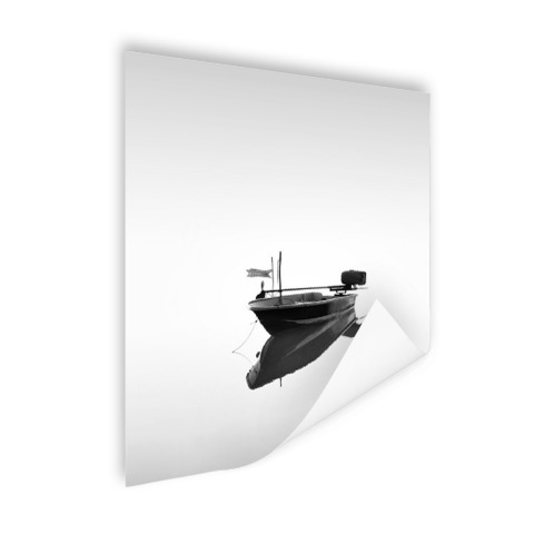 Boot in kalm water zwart-wit print Poster